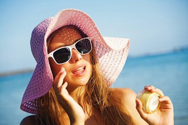 Các bà bầu là nên chọn các loại kem chống nắng có chiết xuất từ các thành phần tự nhiên