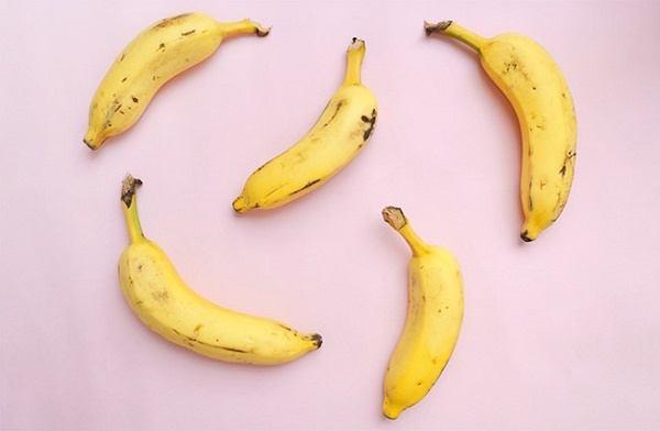 Chuối là một trái cây phổ biến ở các nước nhiệt đới - 1 trái chuối chứa bao nhiêu calo, bao nhiêu protein?