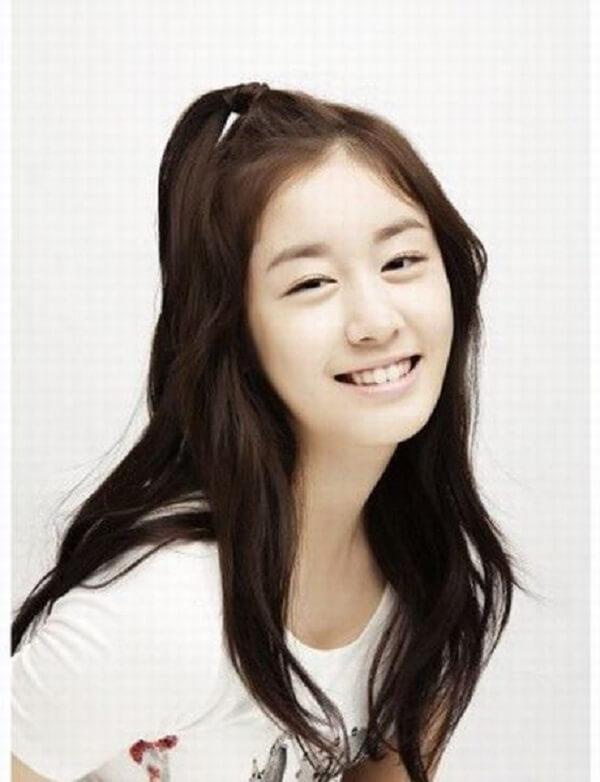 10 Kiểu tóc uốn nhẹ phần đuôi Hàn Quốc đẹp long lanh-hình số-5