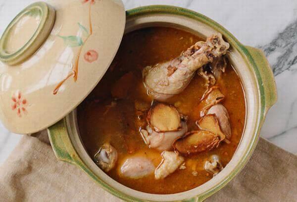 Nồi canh gà kiểu Đài Loan lạ miệng cho mâm cơm gia đình thêm ngon. Ảnh: Internet
