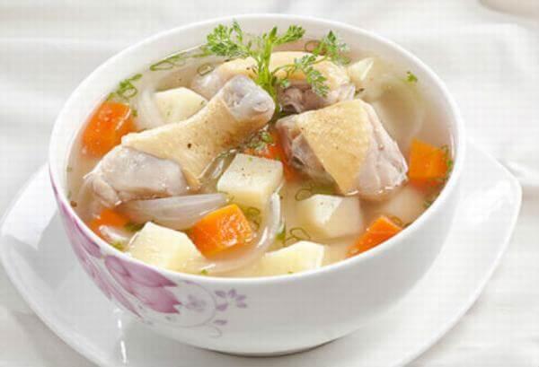 Cách nấu canh gà nấu nấm, canh gà hầm củ sen thập cẩm ngon, đơn giản