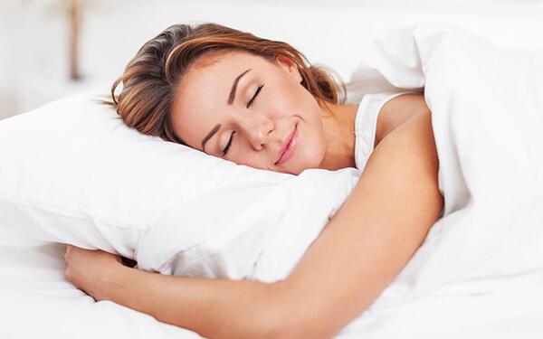 Ngủ đủ giấc là một mấu chốt cực kỳ quan trọng khi giảm cân (Ảnh: mdlaserandcosmetics.com)