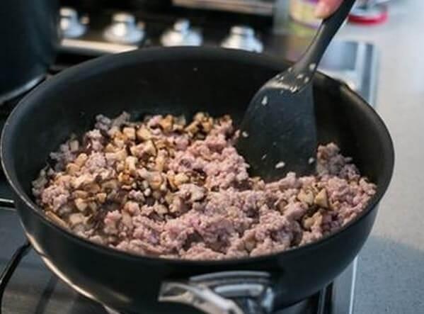 Xào thịt heo với nguyên liệu