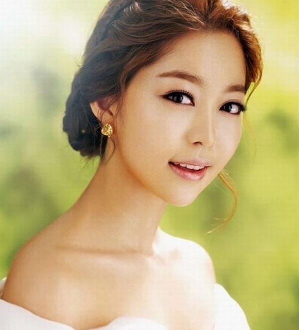 40+ kiểu tóc cô dâu đẹp đơn giản mà đẹp dễ thương trong ngày cưới, kiểu tóc Hàn Quốc cho mặt tròn 13