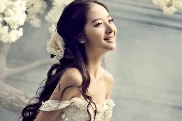 Một kiểu tóc hoàn toàn mới lạ và đặc biệt là điều mà cô dâu nào cũng muốn hướng đến