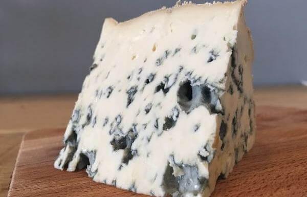 BLUE CHEESE - Phô mai với đốm xanh đặc trưng
