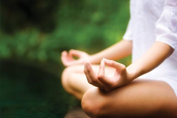 Mỗi ngày, dành ra ít nhất 15 phút để ngồi thiền