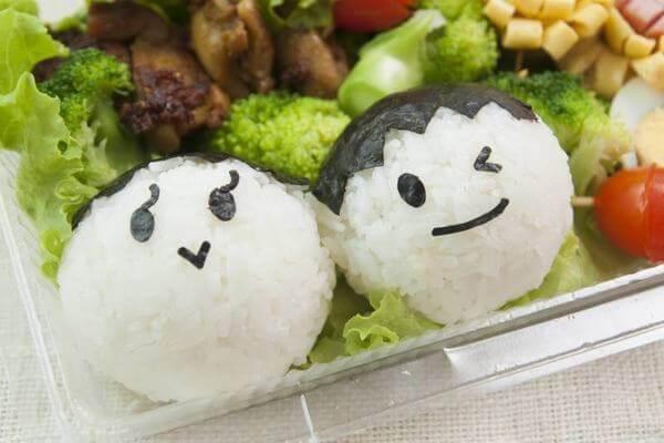 Chuẩn bị một bữa cơm trưa giúp kiểm soát calorie cung cấp cho cơ thể