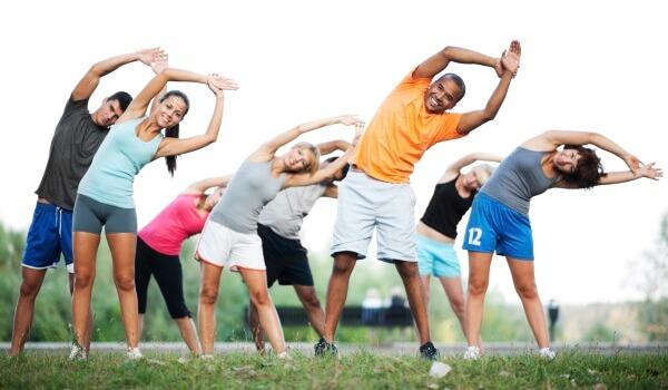 Bạn có thể chọn những bài tập đơn giản như đi bộ, bơi lội, chạy bộ để giảm mỡ bụng trong thời gian nhanh nhất
