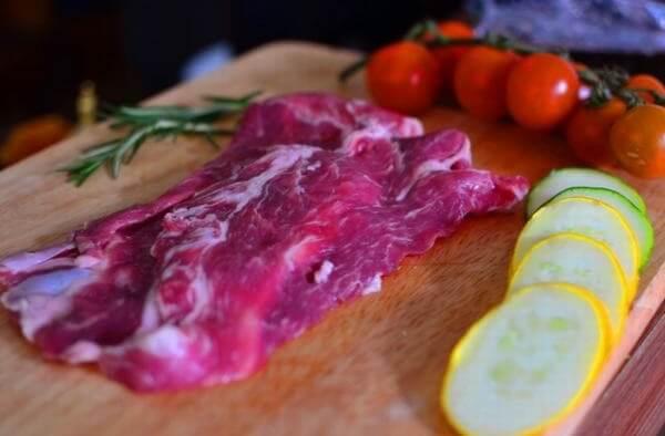 Chọn thịt thăn cho món chà bông heo tuyệt vời.Cách làm chà bông heo cay không tốn sức