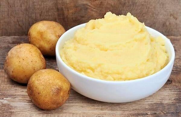 Cách làm mặt nạ khoai tây sữa tươi làm trắng da mặt-hình số-2