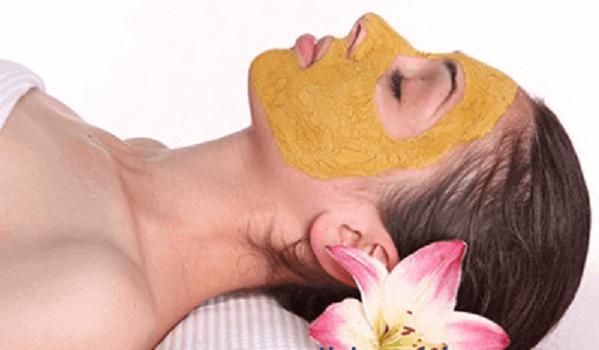 Chỉ đắp 2 lần/ tuần - Cách làm trắng da mặt từ nghệ tươi và mật ong, sữa tươi