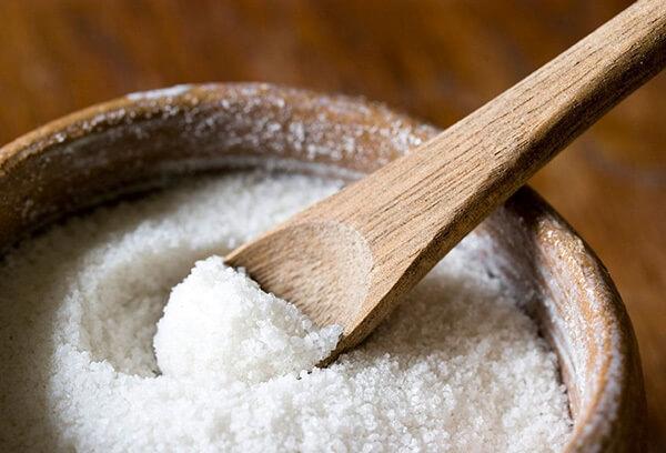 Muối ăn – cách làm tôm khô ngon