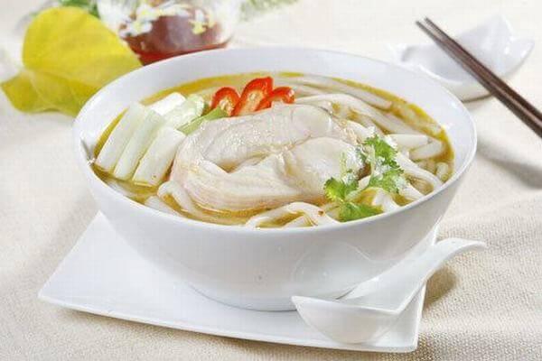 Bánh canh cá lóc là món ăn rất độc đáo của người miền Tây