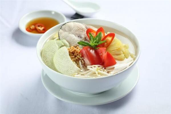 Cách nấu canh chua cá lóc ngon kiểu miền Tây Nam Bộ