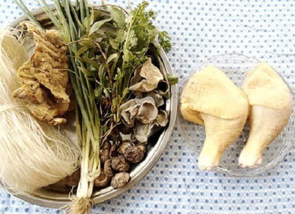 Nguyên liệu cần chuẩn bị - Cách nấu miến gà măng khô ngon trong mâm cơm Tết, mâm cơm cúng