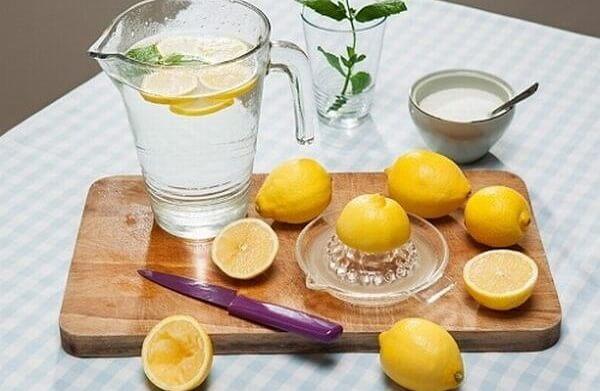 Cách pha nước chanh đường truyền thống