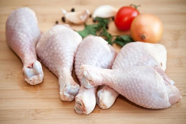Thịt gà là một nguồn cung cấp protein dồi dào mà không có quá nhiều chất béo.