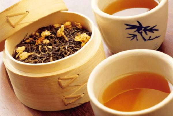 Một số lưu ý khi sử dụng trà hoa cúc cho đúng cách