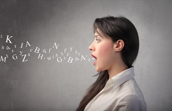 Tập úp mở miệng để các cơ trên khuôn mặt hoạt động tối đa