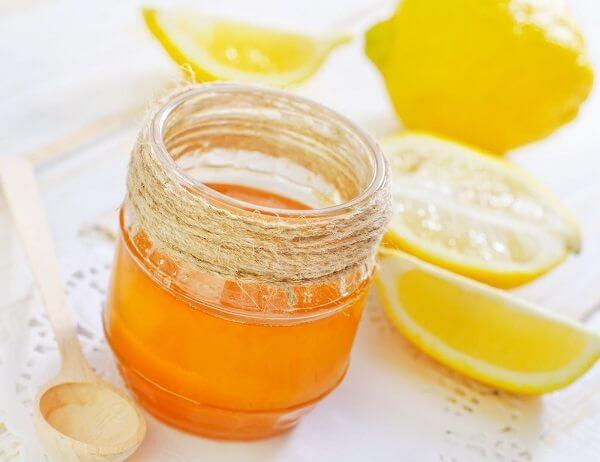 Massage chanh mật ong giúp thon gọn khuôn mặt