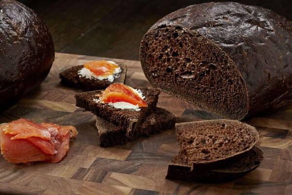 Gợi ý bánh mì đen mua ở đâu tphcm ngon và rẻ nhất? 5