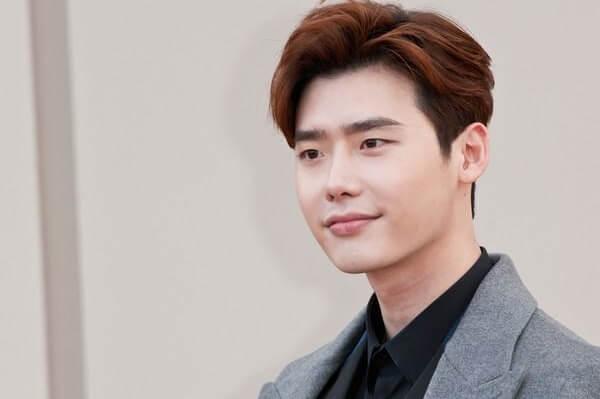 Kiểu tóc Pompadour là gì, 3 kiểu tóc Pompadour rối Hàn Quốc như Beckham, Lee Jong Suk, Justin Timberlake 1