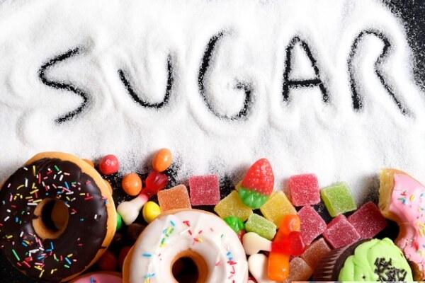 Cắt giảm lượng đường đồng nghĩa với việc giảm năng lượng và chất béo có hại