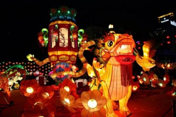 Phố Nguyễn Huệ luôn góp mặt trong các sự kiện văn hóa