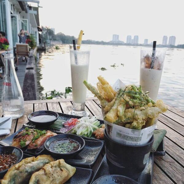 Dùng bữa bên gió sông lồng lộng sẽ là một buổi hẹn hò đáng nhớ mùa Valetine năm nay