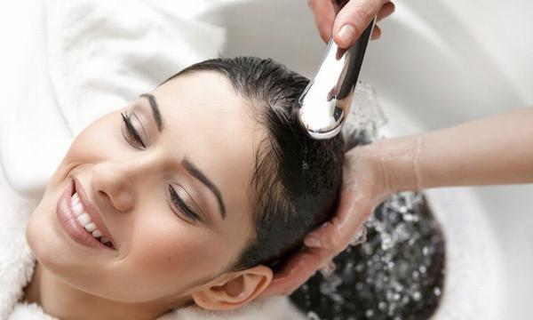 Trước khi đi nhuộm tóc, bạn nên chú ý gội và xả tóc