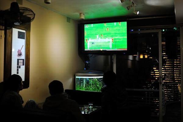 ịa điểm quán cà phê xem bóng đá tại các quận TPHCM có máy chiếu, màn hình lớn