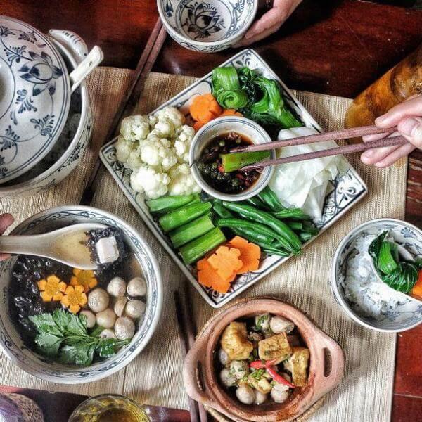 Cơm Chay Here & Now – Nguyễn Công Hoan