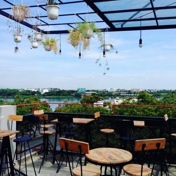 Sky cafe - 9 quán cafe đẹp ở Huế, Review những quán cà phê riêng tư, cafe sân vườn không gian yên tĩnh