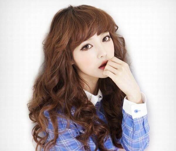 Top 15 kiểu tóc dài uốn xoăn lọn nhỏ bồng bềnh Hàn Quốc đẹp nhất hè 2018-hình số-5