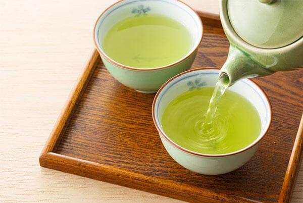 Thực hư việc uống trà xanh có giúp giảm cân không?