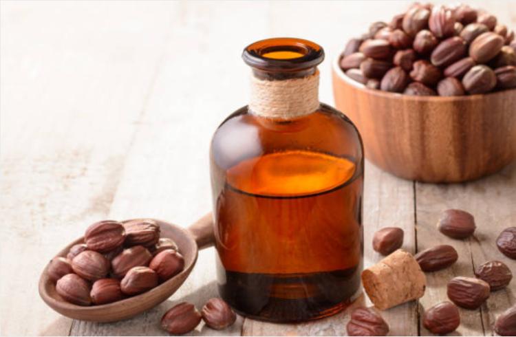 5 loại dầu massage tốt nhất theo các chuyên gia trị liệu