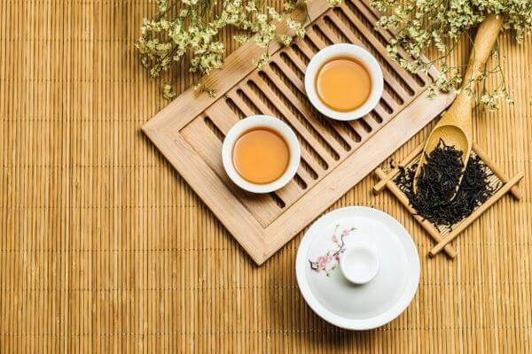 Uống trà xanh - Ăn gì tốt cho gan thận, gan nhiễm mỡ và dạ dày nhất
