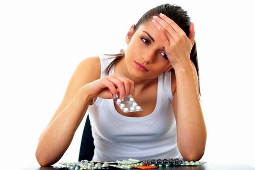 Các yếu tố có thể làm tăng nguy cơ đau dạ dày không viêm loét bao gồm