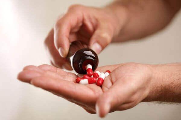 Mắc bệnh trào ngược dạ dày thực quản uống thuốc gì?