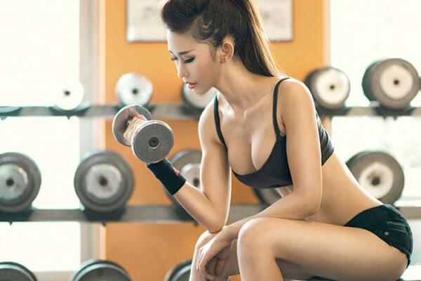 Đau dạ dày có nên tập gym, thể hình, chạy bộ hay đá banh không?