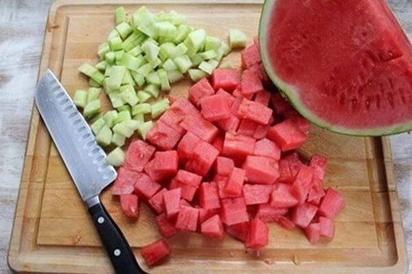 Bị trào ngược dạ dày nên ăn dưa hấu, dưa gang
