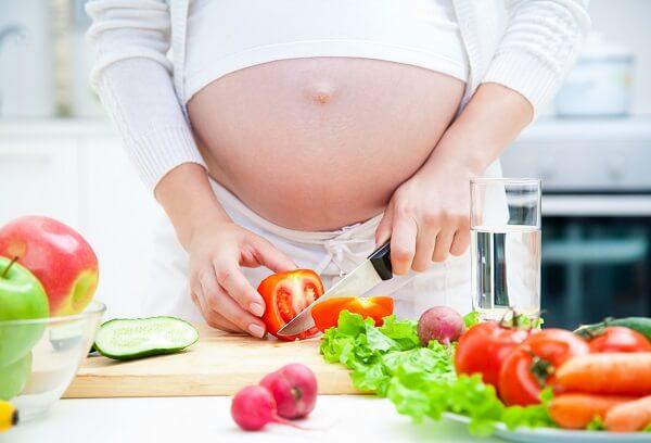 Nhóm thực phẩm bổ sung sắt, canxi, axit folic, protein cho bà bầu