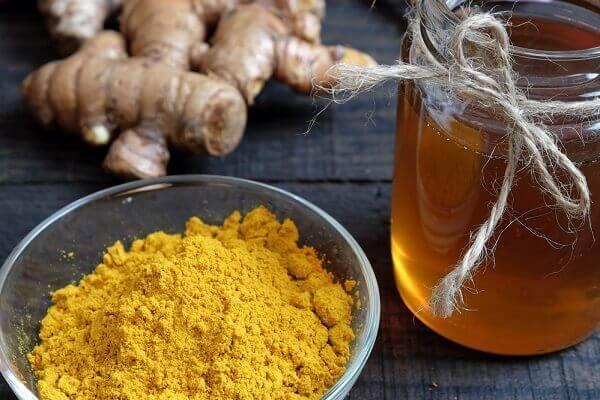 Cách chữa đau dạ dày, đau bao tử bằng mật ong và nghệ vàng