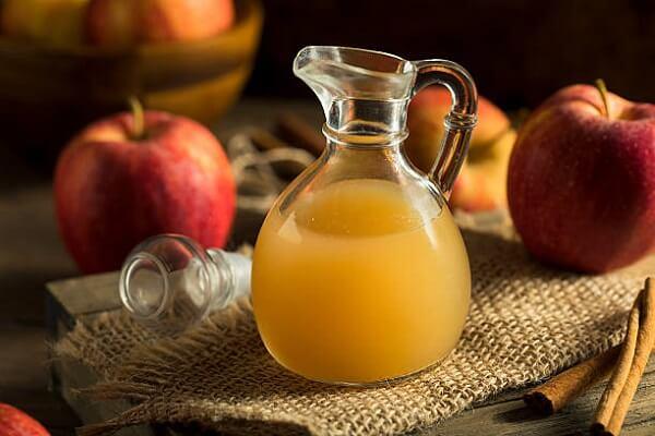 Cách chữa đầy hơi chướng bụng bằng rượu dấm táo