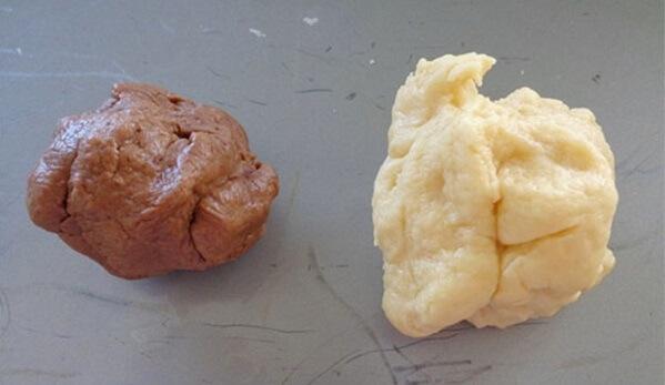 Chia bột thành 2 phần