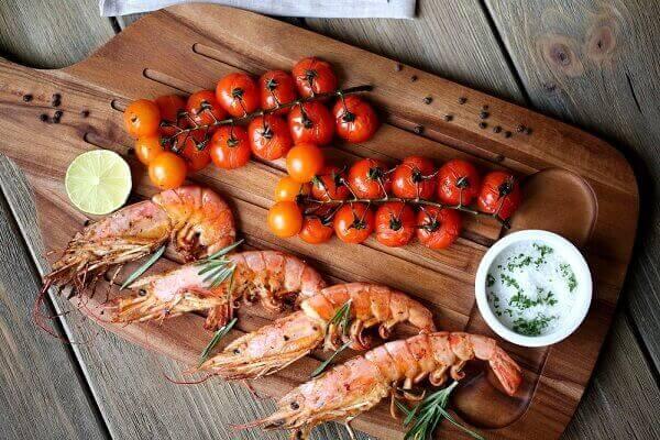 Thực phẩm nướng ở nhiệt độ cao - Ung thư dạ dày nên ăn gì, kiêng gì. Giai đoạn cuối nên ăn gì