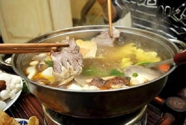 Nêm nếm lại vị - Cách nấu lẩu bò ngon nhất, lẩu bò nấu nấm miền Nam