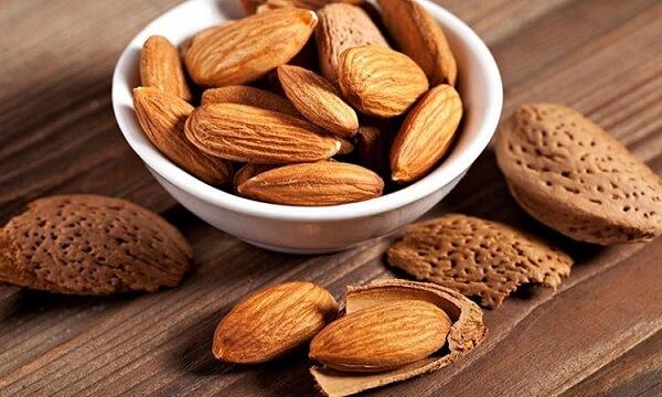 Ăn hạt hạnh nhân khi bị viêm hang vị dạ dày xung huyết