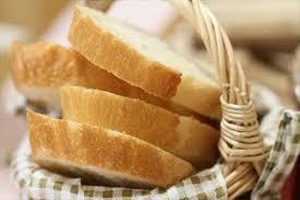 Có nên ăn bánh mì khi bị đau dạ dày không?